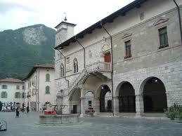 venzone borgo bello italiano