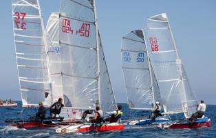 """Treofeo """"Milleunavela"""" tra università con imbarcazioni a vela progettate e costruite dagli studenti  universitari. La regata a Veneza, dal 15 al 18 sett."""