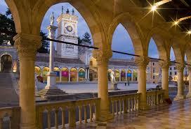 turismo FVG, nell'immgine centro storico di Udine