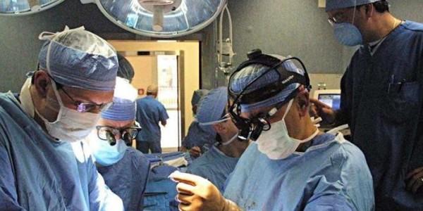 anaoo, medici in sala operaoria, promosso modeloo veneto