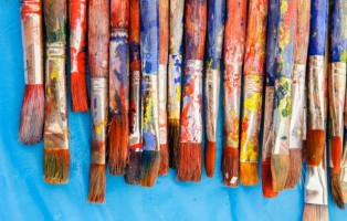 09 Aug 2013 --- Close up of painter's messy brushes --- Image by © Ronnie Kaufman/Larry Hirshowitz/Blend Images/Corbis