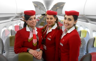 volotea-cabin-crew-low