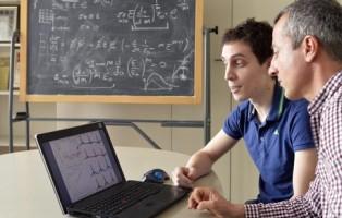 Trento, Stefano Signetti e Nicola Pugno dell'Università di Trento.