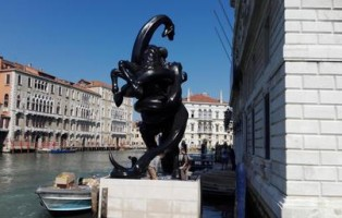 Hirst a venezia
