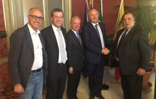 Bolzano - L?Unione Albergatori e Pubblici Esercenti (HGV) lancia un progetto con le scuole alberghiere di Palermo.