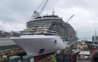 "Un'immagine che mostra la nave da crociera ""Msc Seaside"", la più grande nave da crociera mai realizzata in Italia, che la Fincantieri sta costruendo per Msc Crociere, 29 novembre 2016.  ANSA / Havas PR Milan  +++  ANSA PROVIDES ACCESS TO THIS HANDOUT PHOTO TO BE USED SOLELY TO ILLUSTRATE NEWS REPORTING OR COMMENTARY ON THE FACTS OR EVENTS DEPICTED IN THIS IMAGE; NO ARCHIVING; NO LICENSING  +++"