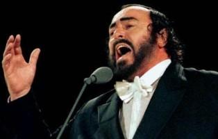 pavarotti_ricordo-evento-allarena-di-verona-dopo-10-anni-morte