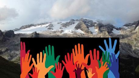 Ambiente: Mountain Wilderness per pulire la Marmolada. Iniziativa del 2 settembre 2017. ANSA/UFF STAMPA MOUNTAIN WILDERNESS ++NO SALES, EDITORIAL USE ONLY++