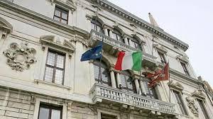 bandiera-del-veneto-tra-italiana-e-uea-palazzo-balbi
