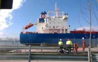nave olio bio sostenibile in raffineria Eni Marghera