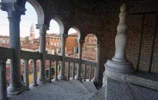 Venezia cartoline: interno scala Contarini detta del Bòvolo (chiocciola), nel sestiere di San Marco. ANSA/ANDREA MEROLA