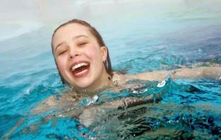 bimba-piscina-1000x500