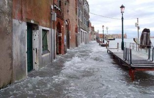 acqua-alta-venezia-foto-protezione-civile-large