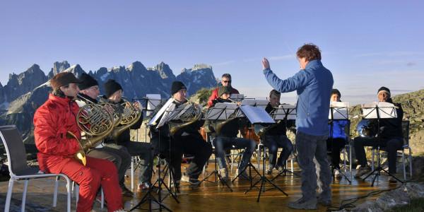 Alba delle Dolomiti 13 luglio 2014. I Corni della Scala (Col Margherita).