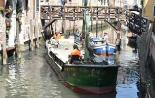 scavo canali venezia
