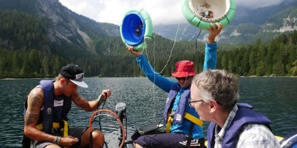 campionamenti-sul-lago-di-tovel-con-ricercatori-fem_imagefullwide